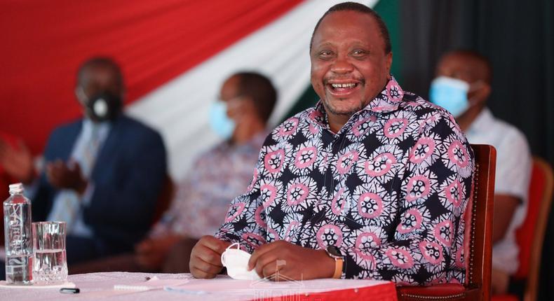 President Uhuru meets over 7000 delegates at Sagana State Lodge