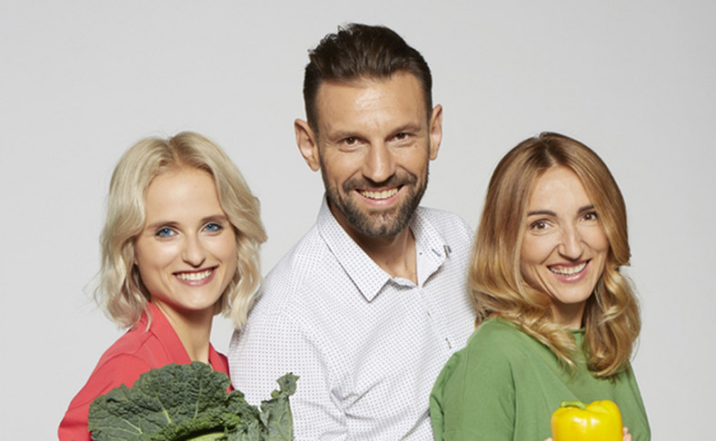 """Hanna Stolińska-Fiedorowicz, Robert Zakrzewski i Violetta Domaradzka, autorzy książki """"Love Vegan"""""""