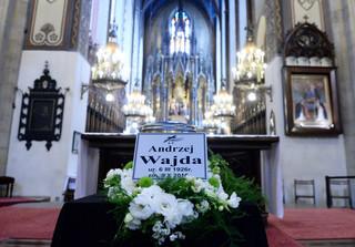 Pogrzeb Andrzeja Wajdy: 'Odszedł ostatni z tego pokolenia reżyserów, które z kina uczyniło wielką sztukę'