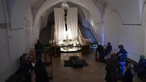 Wielka Sobota - poświęcenie ognia i wody i odnowienie przyrzeczeń chrzcielnych
