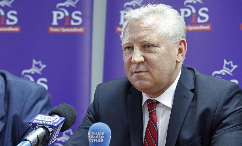 Pijany senator zawieszony w PiS
