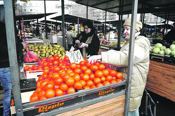 Takse na voće i povrće iz Srbije povećane 22 puta