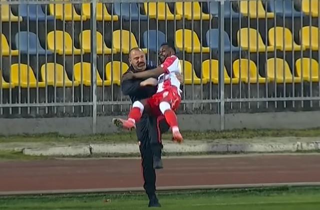 Stankovič i Kanga, zagrljaj posle gola