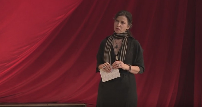 Mirjana Joković pre nekoliko godina na predavanju u Americi