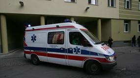 Motocyklista uderzył w ciężarówkę. Jest w szpitalu