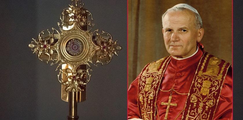 Z katedry skradziono relikwię krwi św. Jana Pawła II!