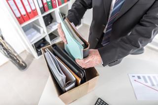 Zasiłek dla bezrobotnych i dni wolne na poszukiwanie pracy: Co traci osoba zwolniona dyscyplinarnie