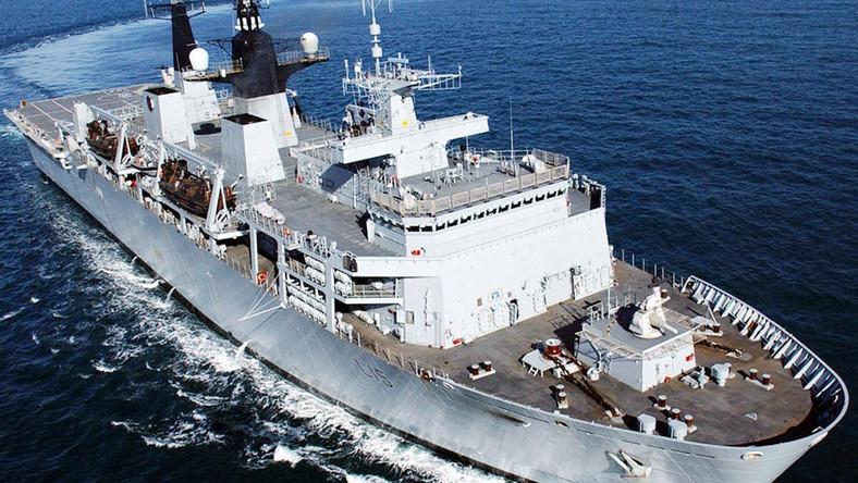 Okręt HMS Bulwark zacumował przy Nabrzeżu Francuskim w piątek około godziny 10