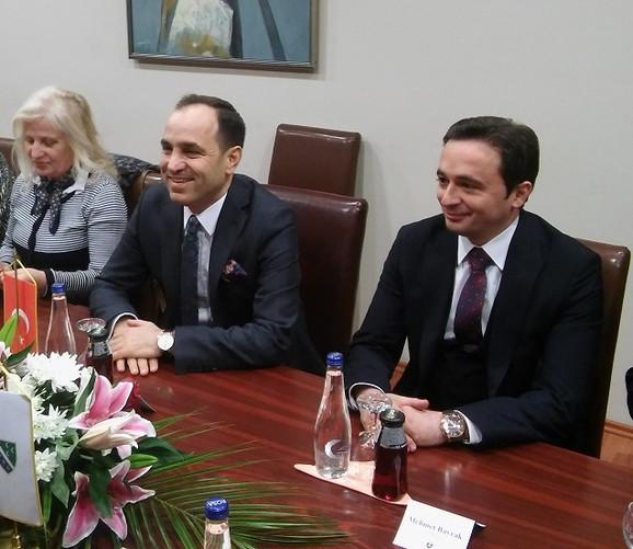 Ambasador Turske u Srbiji (u sredini)