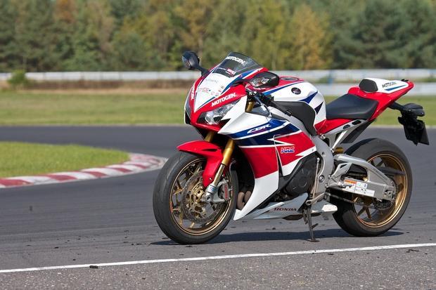 Honda CBR1000RR Fireblade - typowy przykład sprortowego motocykla z Japonii