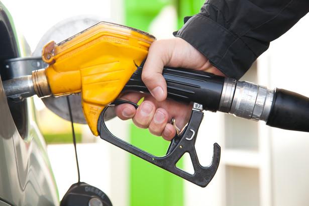 W 2011 r. ceny benzyny wzrosły o 13 proc., a oleju napędowego i autogazu o 18 proc.