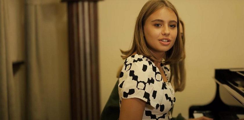 """Oliwia Bieniuk w szczerym wywiadzie. """"Nie umiem przy ludziach ronić łez, myśląc o mamie"""""""