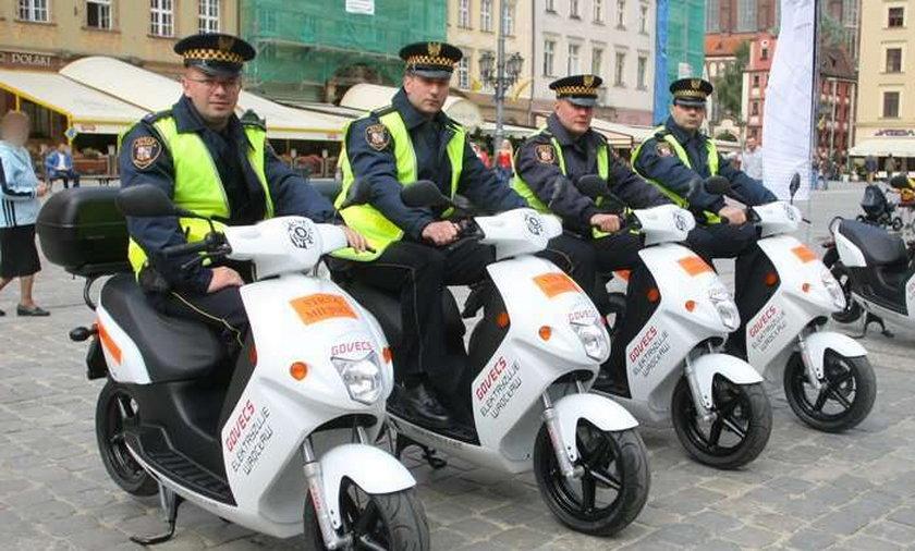 We Wrocławiu strażnicy jeżdżą na skuterach