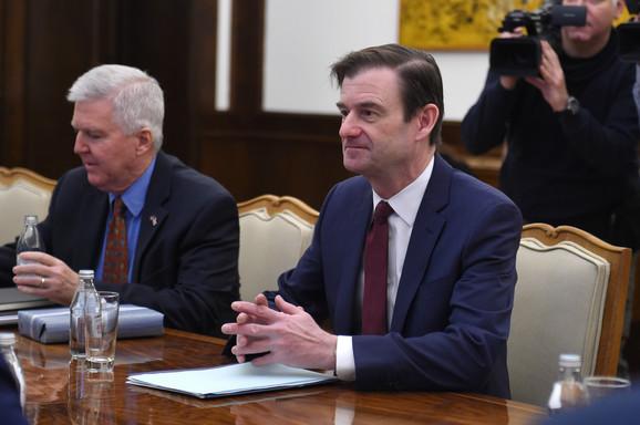 Dejvid Hejl na sastanku sa Vučićem pozvao na nastavak dijaloga