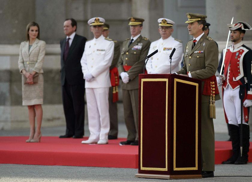 Królowa Letizia na uroczystości wojskowej w Madrycie