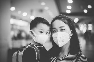 Koronawirus w Chinach. Nowe infekcje, władze wzywają do zacieśnienia kontroli