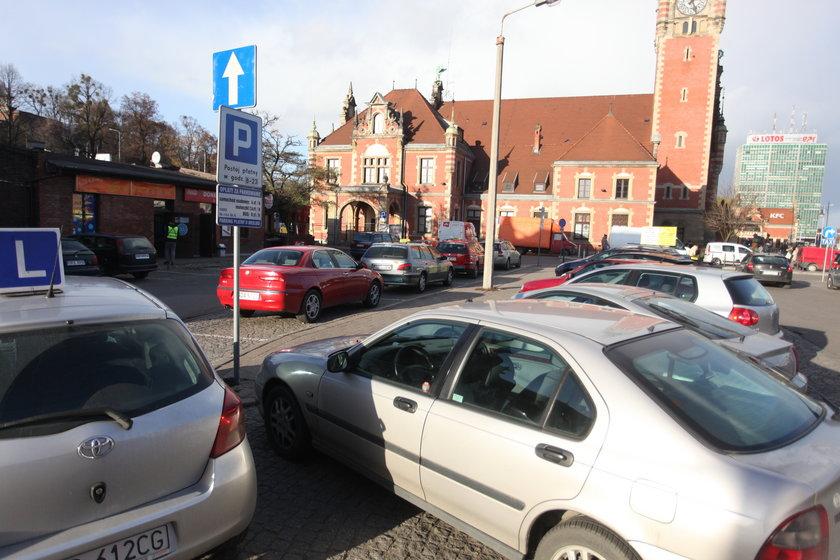 Parking pod dworcem w Gdańsku