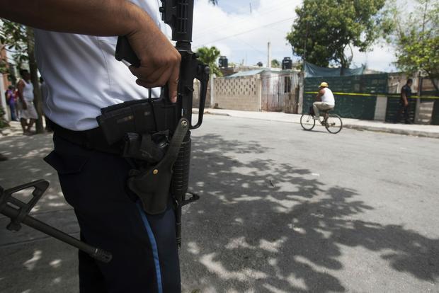 Acapulco, policjant na miejscu przestępstwa