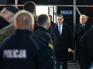 Premier: Zakup śmigłowców to konieczny krok w kierunku modernizacji polskiej policji