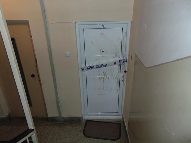 Vrata stana u kojem je zivela ubijena starica