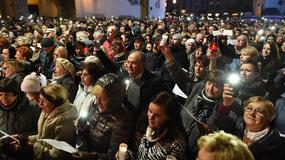 """Leonard Cohen: Kraków pożegnał artystę śpiewając """"Hallelujah"""""""