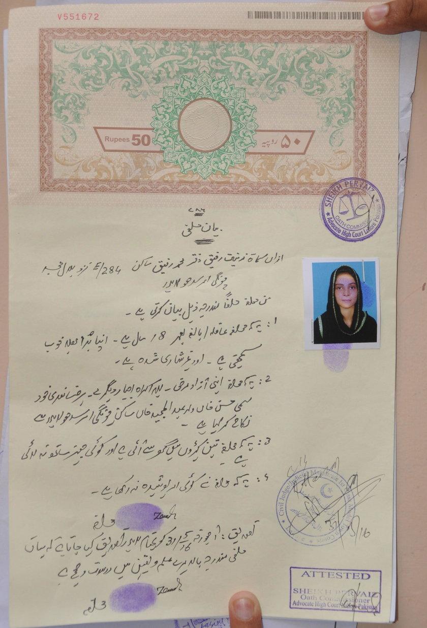 Spaliła córkę, bo wyszła za mąż bez jej zgody