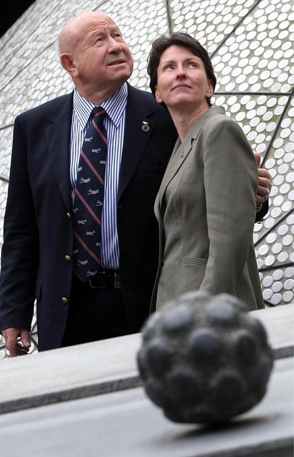 Helen Šarman i Aleksej Leonov, prvi čovek koji je boravio u otvorenom svemiru