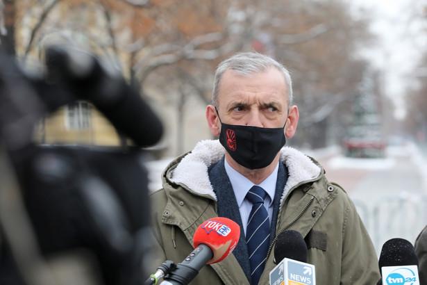 Przewodniczący Związku Nauczycielstwa Polskiego Sławomir Broniarz przed spotkaniem z pełnomocnikiem rządu ds. szczepień, ministrem Michałem Dworczykiem