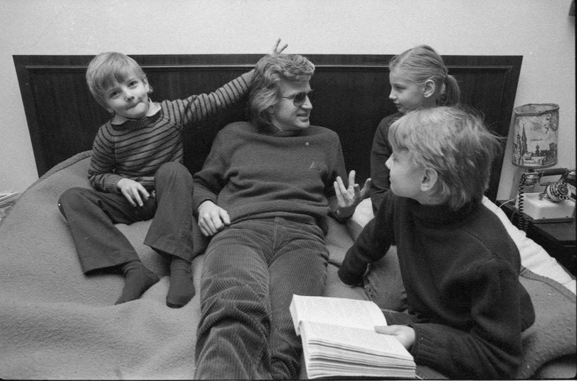 Zbigniew Wodecki z dziećmi