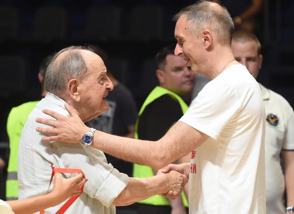 Glumac Vlasta Velisavljević i trener KK Crvena zvezda Milan Tomić
