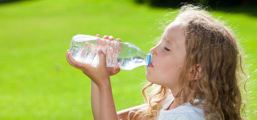 To straszne! Organizmy dzieci są skażone plastikiem!
