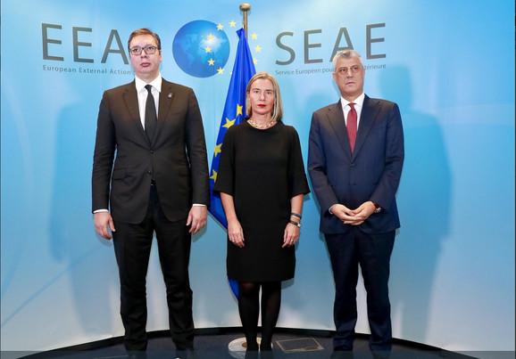 Aleksandar Vučić, Federika Mogerini i Hašim Tači u Briselu