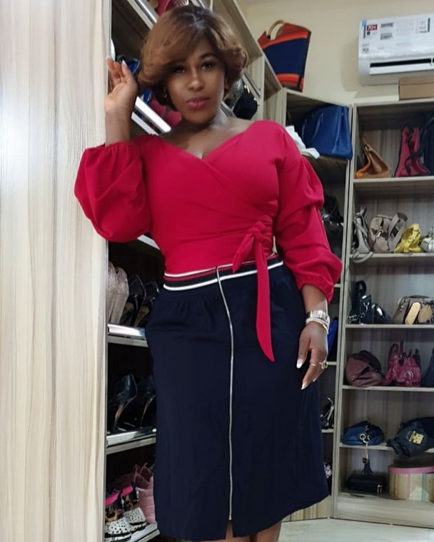 Uche Jombo had a word for those who feel Busola Dakolo should have come out a long time ago to expose the man of God of raping her [Instagram/UcheJombo]