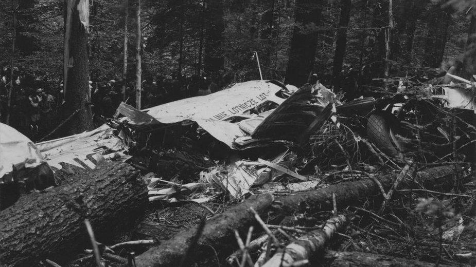 Wrak samolotu Lockheed L-14 Super Electra, który rozbił się 22 lipca 1938 r.