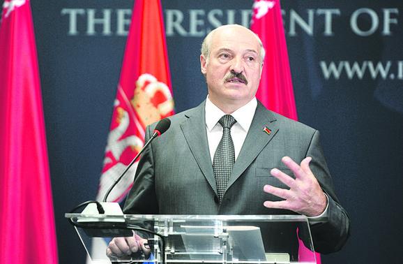 Lukašenko poklonio Srbiji letelice