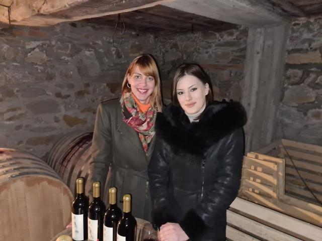 Na mestu starog vinograda na dedovini, Mina i Sara zasadile su potpuno novi