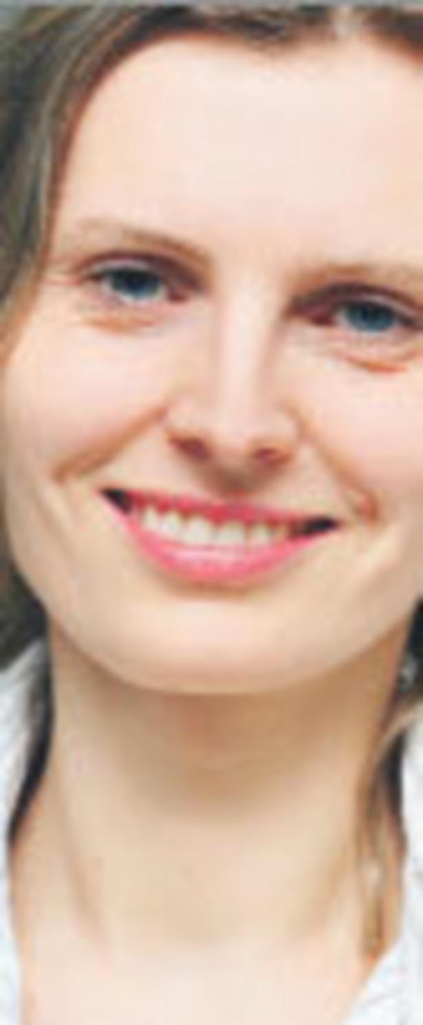 Anna Pałka-Ćwikiewicz, analityk ds. inwestycji AXA Życie