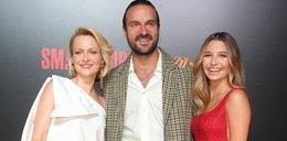 """Gwiazdy zachwyciły na premierze filmu Patryka Vegi """"Small World"""". Pojawił się także zagraniczny gość znany z kasowej produkcji Netflixa!"""
