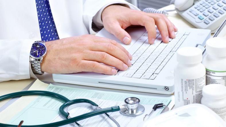 Ustawa refundacyjna weszła w życie 1 stycznia 2012 r., a od 1 maja 2012 r. obowiązuje już trzeci wykaz produktów refundowanych wydany przez Ministra Zdrowia