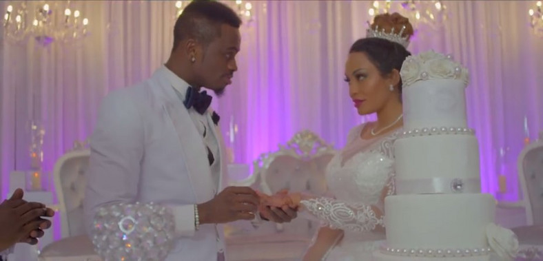 Zari Hasan with Diamond in The Iyena Video. Diamond has bought Zari Hassan Gifts from London