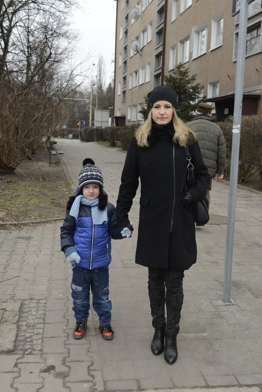 Magda Kowalska (35 l.), mama Bartusia (4 l.)