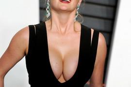 Pokazala je STOMAČIĆ, skockanog muža i odličan stil: Slutimo, trudnicama iz Srbije ovo može da se OPASNO DOPADNE