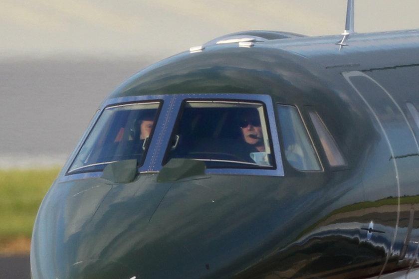Jak podaje CNN - Samolot z Harrisonem Fordem na pokładzie zamiast na pasie startowym wylądował na drodze kołowania, tuż obok oczekującego na swój lot Boeinga 737.