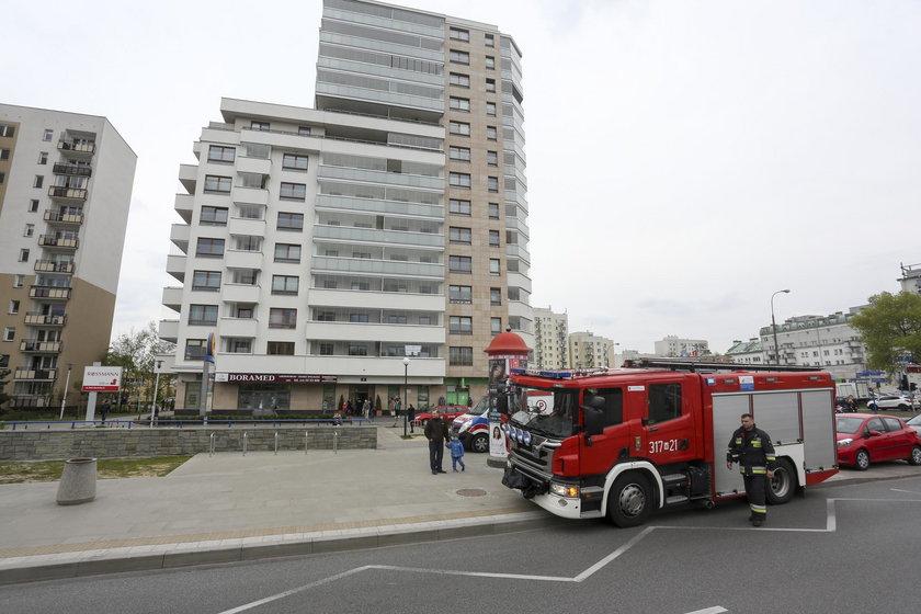 Tragedia w stolicy. Dziecko spadło z 8. piętra