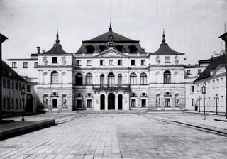 Międzywojenna Warszawa, której już nie ma. Wystawa w Domu Spotkań z Historią