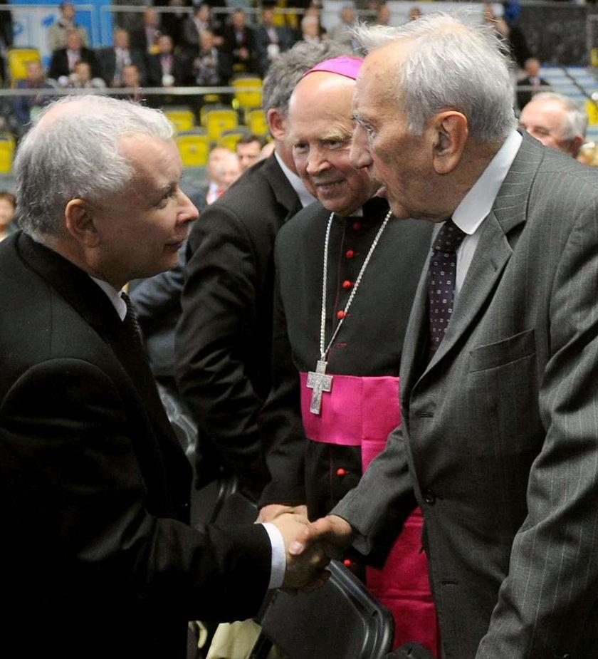 Kaczyński oczernił Geremka po śmierci? Mazowiecki w szoku!