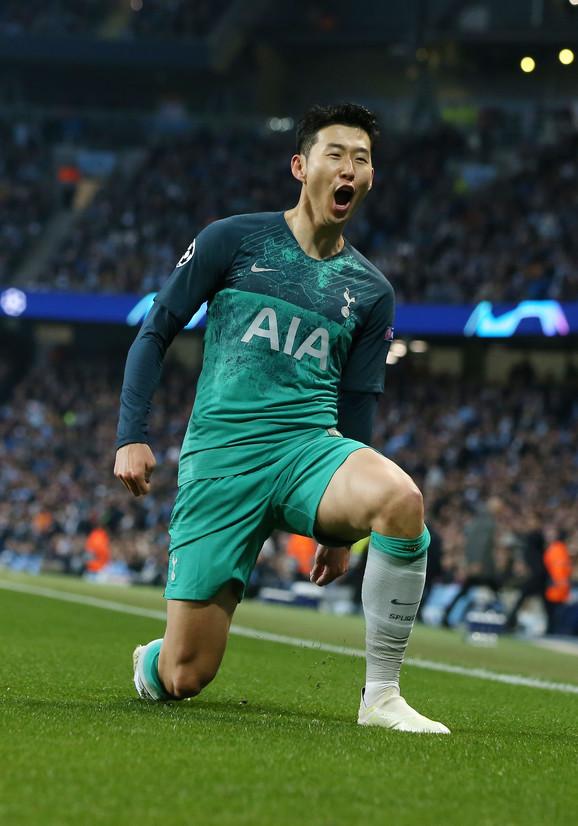 Hjeung Min Son slavi pogodak protiv Mančester Sitija