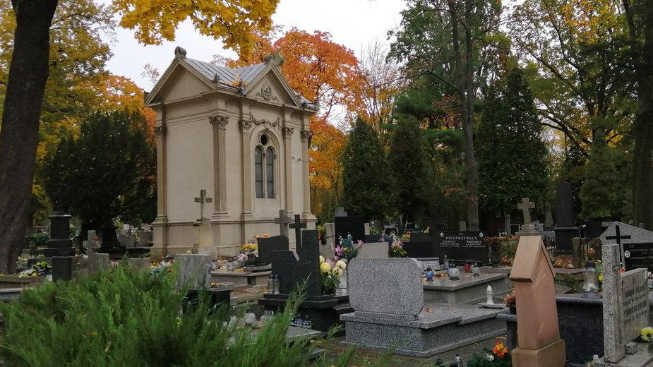 Kaplica Juttnerów - stary cmentarz w Piotrkowie