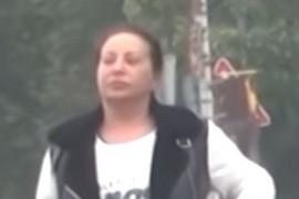 ŽARILA JE I PALILA JAVNOM SCENOM SRBIJE Folk pevačica uhvaćena na ulici BEZ TRUNKE ŠMINKE I U NESVAKIDAŠNJEM IZDANJU