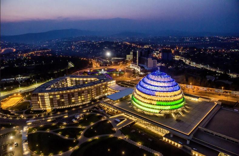 Kigali at night. (@disafrica)